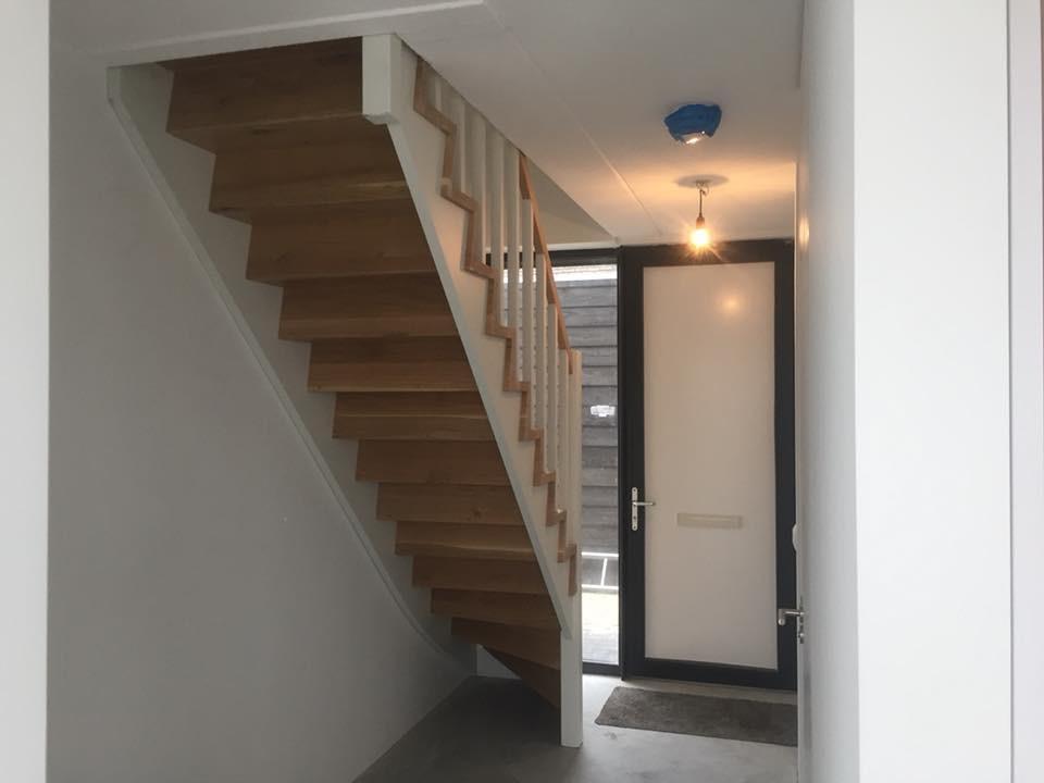 Gemaakte houten trappen door droomtrappen for Trap maken bereken