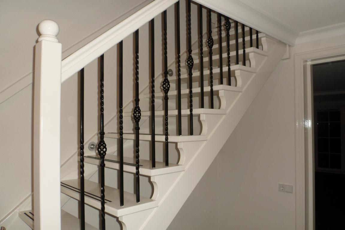 Gemaakte houten trappen door droomtrappen for Spiltrap hout