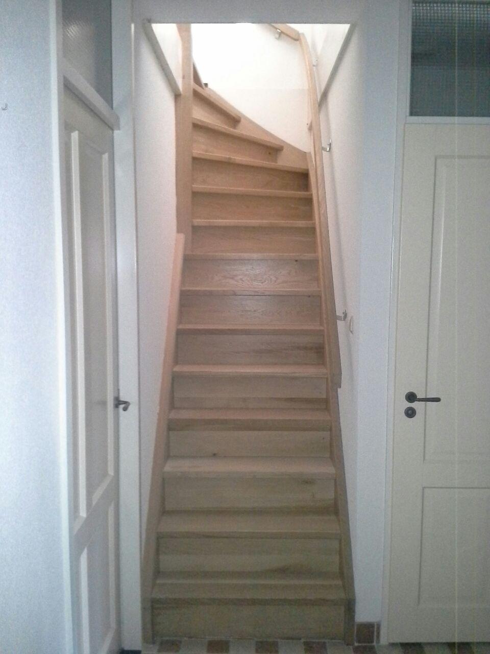Dichte eiken trap met bovenkwart for Dichte trap maken